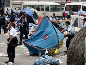 """Уборка баррикад """"оккупируй централ"""""""