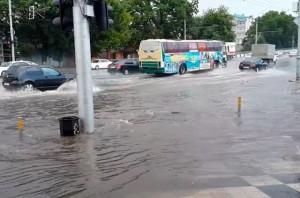 С начала паводков на реке Янцзы погибло 128 человек