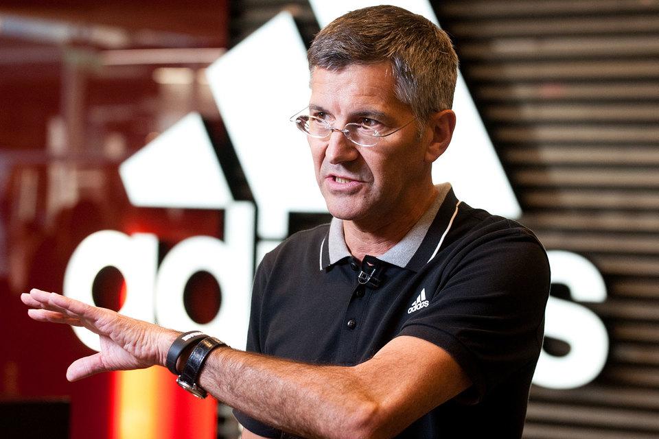 Adidas уходит из Китая2