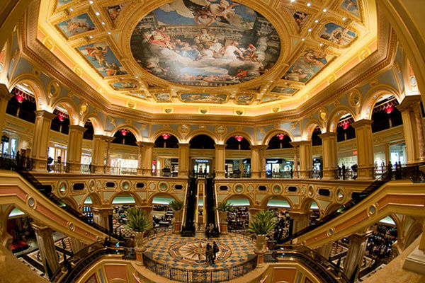 Две стороны казино Макао. Клиенты, туристы, местные2