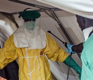 Китай отправил еще одну партию гуманитарного груза для борьбы с эболой