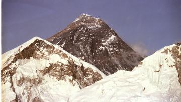Эверест закрыт для восхождений