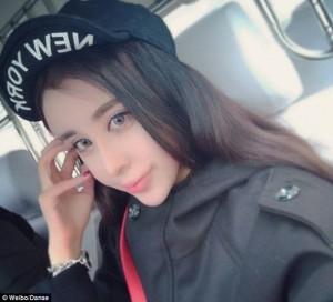 Фотографии 15-летней китаянки после пластики вызвали фурор в Сети3