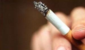 Китай начинает активно бороться с курением
