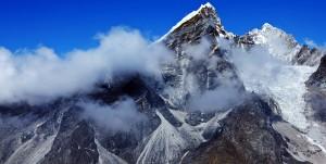 Китай прорубит железную дорогу через Эверест