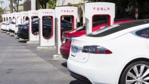 Китай стал лидером по продажам «чистых автомобилей»