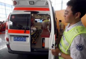 Китайский мальчик истек кровью и скончался, лизнув на улице найденную конфету