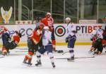 Между китайскими и российскими хоккеистами произошла массовая драка