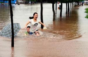 Наводнения в Китае стали причиной гибели многих людей