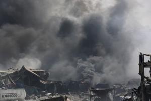 Опустошенная земля последствия взрыва в Китае засняли с дрона2