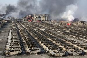 Опустошенная земля последствия взрыва в Китае засняли с дрона3