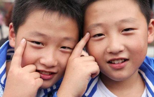 Почему в Китае так много близнецов2