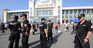 Полиция в Китае застрелила уйгура с кирпичом