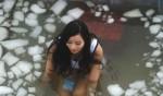 Сегодня в Китае спорили, кто дольше все просидит в ледяной воде
