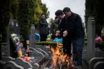 В Китае $16 можно нанять плакальщика на могилу родственников