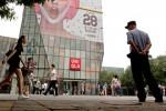 В Китае арестовано пятеро людей по подозрению в распространении видео для взрослых, снятого в бутике Uniqlo