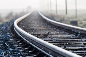 В Китае автомобиль упал на железную дорогу