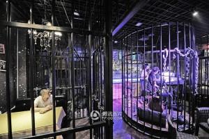 В Китае начал работать ресторан в тюремно стиле