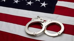В Китае опубликовали доклад об изнасилованиях и пытках в американских тюрьмах