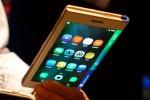 В Китае показали первый в мире смартфон со складывающимся экраном