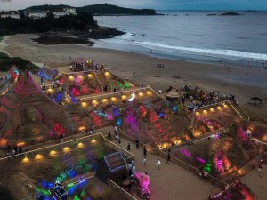 В Китае проходит Фестиваль песчаной скульптуры