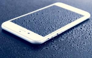 В Китае разработали водонепроницаемое покрытие для смартфонов