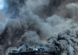 В Китае загорелся завод
