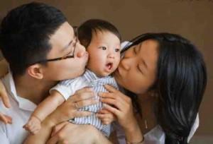 В Китае законодатели хотят разрешить семьям иметь трех детей