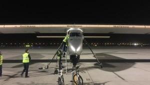 В Китай отправился самолет на солнечных батареях