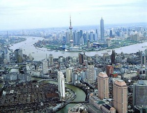 В Шанхае растет количество разводов из-за введения нового налога
