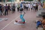 Власти Шанхая урегулируют деятельность уличных артистов