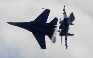 Япония заявила о военной активности самолетов Китая и России у границы