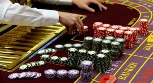 Заслуживает ли крупье в казино нашего доверия