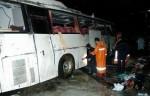 Количество погибших в результате столкновения атобуса в грузовиком увеличилось до 15 человек