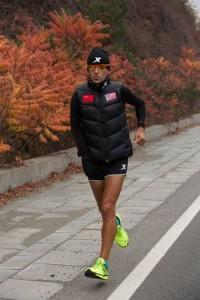 Американский бегун за 83 дня пробежал 4200 км по Великой Китайской стене