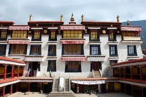 монастырь Дрепунг в Китае
