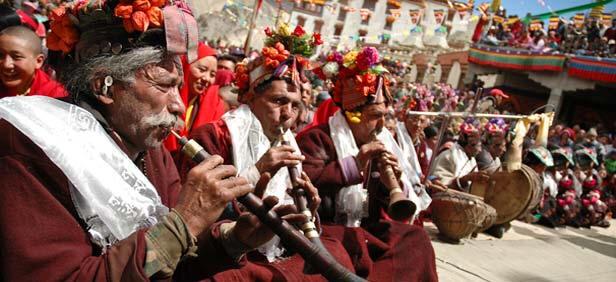 Буддистские фестивали в горах Тибета