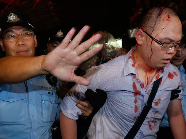 Власти Гонконга снова готовы к переговорам