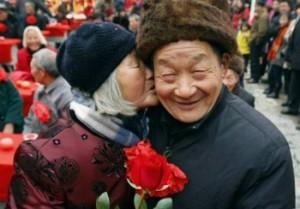 В китайском «городе долгожителей» проживает 385 граждан в возрасте от 100 лет