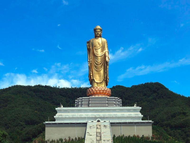 5 самых высоких статуй Китая