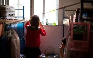 Молодежь с китайской швейной фабрики