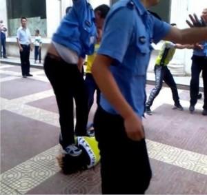 Происшествия в Китае. Полиция избивает бизнесмена