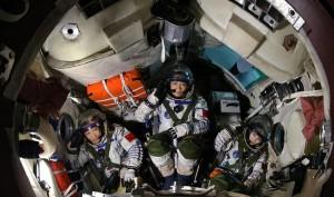 Запуск ракеты, подготовка экипажа