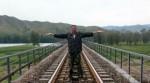 Крестьянин, предотвративший катастрофу поезда, получил 250 тысяч юаней