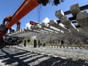 Введена в эксплуатацию железная дорога Лхаса-Шигазде