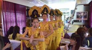 Новый туристический поезд отправился в путь в провинции Ганьсу