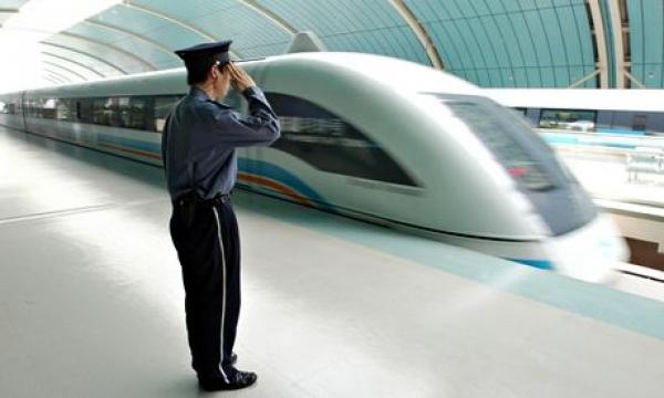 Китай планирует построить железную дорогу, которая должна соединить США и Китай
