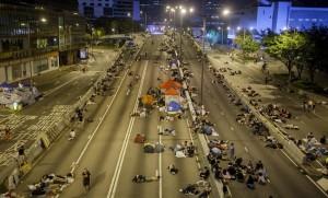 Количество протестующих в Гонконге значительно уменьшилось
