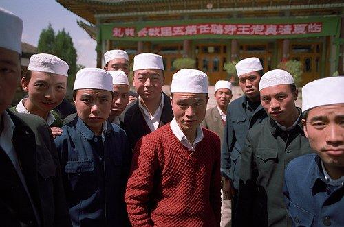 Китай ужесточит цензуру против религиозной литературы в СУАР