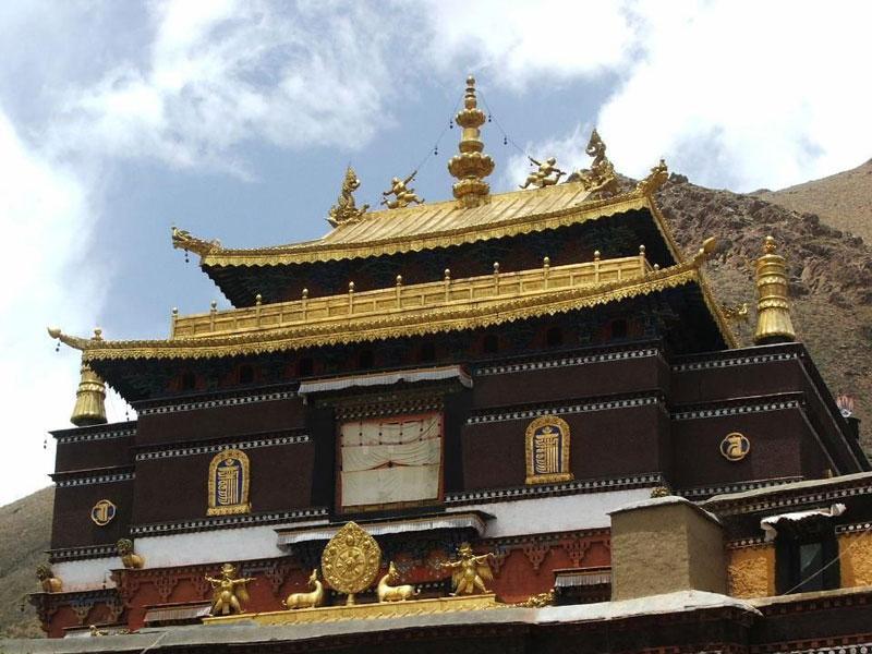 В Тибетском автономном районе зарегистрировано 46 тысяч монахов